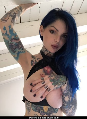 Riae - Gorgeous Glamour Italian Playboy Brunette Babe & Girlfriend with Gorgeous Exposed Real Titty, Puffy Nipples, Piercing & Tattoo (Hd Sex Foto)