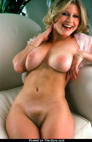 Cute Nude Blonde (Porn Pix)