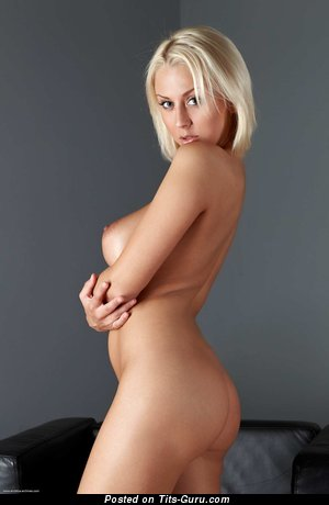Mandy Dee - nude blonde with big boobs picture