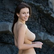 Charming Babe with Charming Nude Real C Size Boobs (Sex Foto)