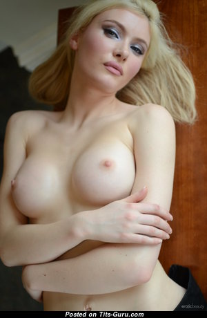 Locklear A - Charming Topless Honey (Hd 18+ Image)