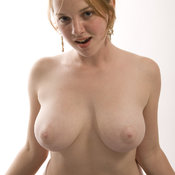 Maya - wonderful lady with medium natural tittes picture