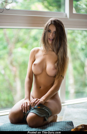 Beatriz Aguiar - Lovely Brunette Babe with Lovely Exposed C Size Tit (Hd Sex Pix)