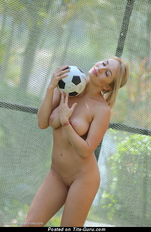 Image. Isabella D - naked blonde with natural boobs pic
