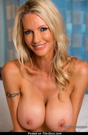 Image. Naked awesome woman with big breast pic