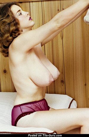 Janey Reynolds - Nice Topless Babe with Nice Exposed Natural Big Boobies (Vintage Hd Porn Foto)