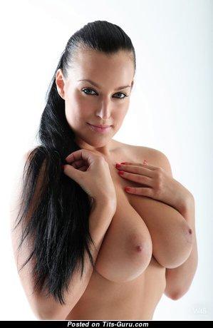 Carmen Croft - Splendid Nude Czech Brunette Pornstar (Porn Picture)