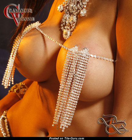 Yummy Dame with Yummy Nude Mega Boobys (Sexual Pic)