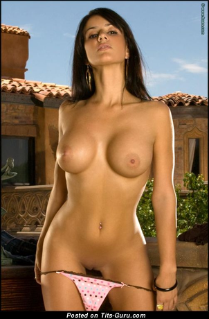 Diana Ladonna - nude brunette with medium tots image