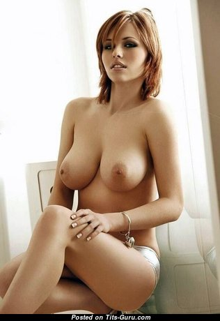 Anna Belleza - Hot American Red Hair Babe with Hot Bald Real Medium Knockers (Sexual Photoshoot)
