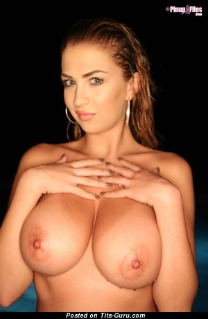 Ellis Attard - Graceful British Woman with Graceful Bald Natural Med Boobies (Hd Xxx Picture)