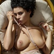 Pammie Lee - topless beautiful female with natural boobs photo
