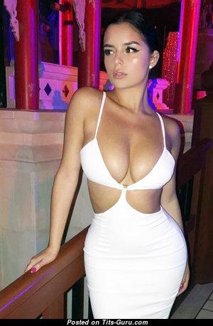 Good-Looking Unclothed Babe (Sex Wallpaper) #babes #boobs #tits #nude #erotic #сиськи #голая #эротика #titsguru