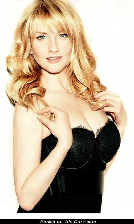 Melissa Rauch: topless blonde with medium natural tittys & big nipples vintage
