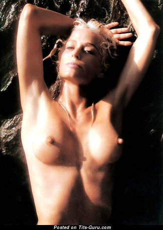Image. Farrah - naked blonde with medium tittes picture