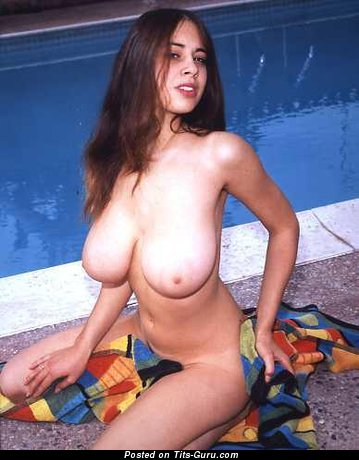 Arlene Bell - naked beautiful female with big natural boobies photo