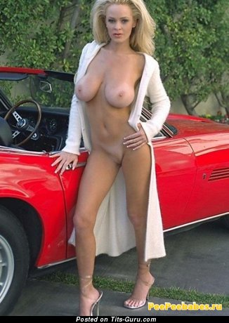 Image. Amazing woman with natural tittys pic