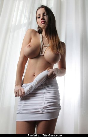 Naked amazing female with big tittys picture