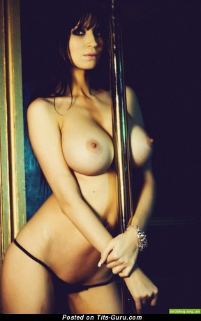 Lovely Brunette with Lovely Naked Ddd Size Boobs (Porn Pix)