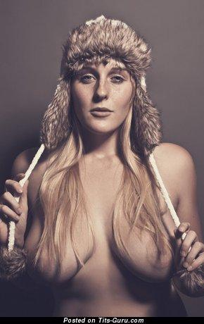 Nice Nude Babe (Hd 18+ Image)