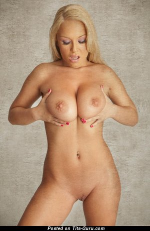 Akissa: naked blonde with big natural boob photo