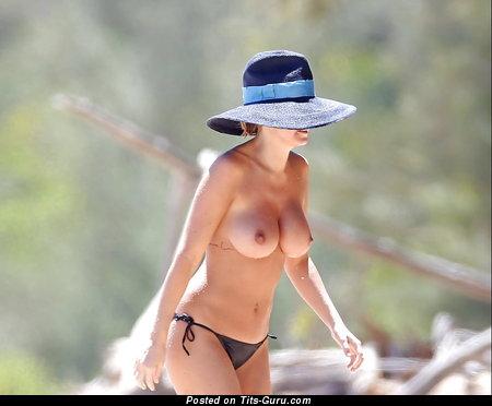Wet naked nice lady with medium tots photo