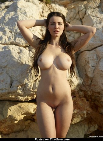 Image. Naked hot lady with medium tittes pic