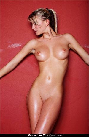 Изображение. Изображение обалденной голой тёлки
