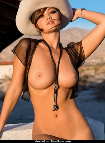 Magnificent Babe with Magnificent Bare Natural Tight Tittys (Hd Sexual Photoshoot)