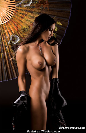 Grand Nude Playboy Brunette with Giant Nipples (Hd Xxx Pic)