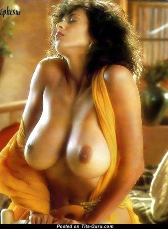 Image. Roberta Vasquez - nude brunette with medium breast vintage