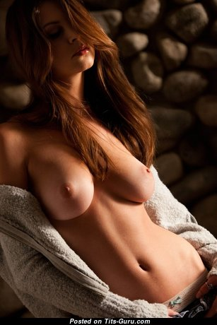 Fascinating Babe with Fascinating Bare Natural Busts (Hd Sexual Foto)