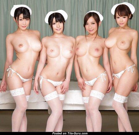 Прелестная топлесс азиатская красотка с огромными сосками (ххх картинка)