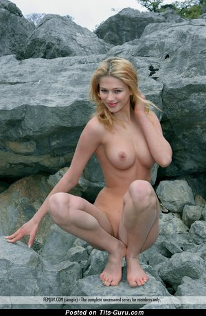 Image. Nude hot lady with medium breast picture