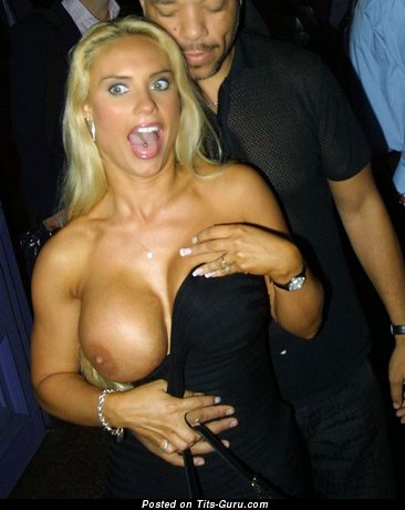 Image. Nicole Coco Austin - sexy topless blonde with huge fake boobies and big nipples pic