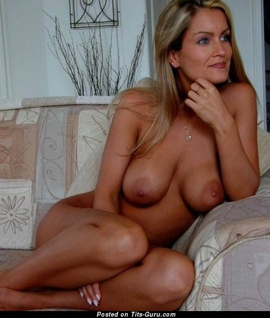 Image. Nude amazing lady with medium natural tittes pic