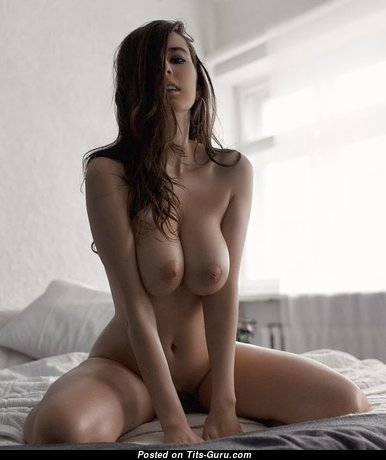 Awesome Glamour Floozy with Awesome Bald Natural Average Boobys (18+ Pic)