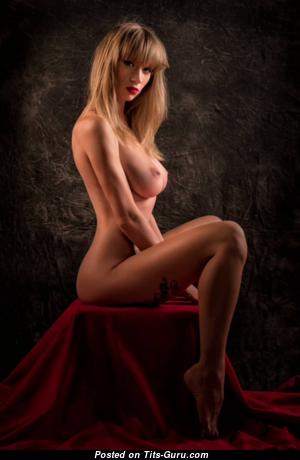 Marvelous Nude Playboy Brunette & Blonde Girlfriend & Wife (Hd Sexual Picture)
