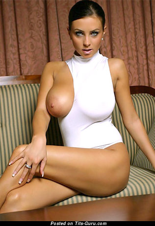 Image. Ewa Sonnet - naked brunette with big breast picture