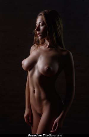 Exquisite Dish with Exquisite Bare Real Knockers (18+ Pix)