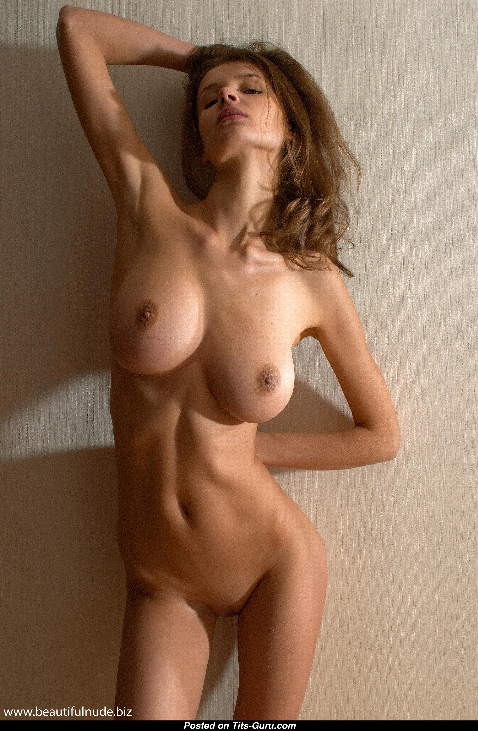 эротика красивые худенькие с большими сиськами