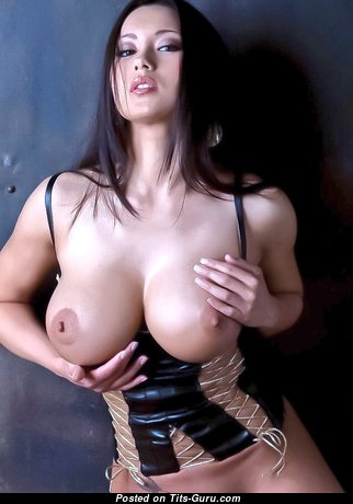 Appealing Undressed Babe (Sex Photo)