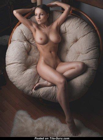 Elegant Babe with Elegant Open Natural C Size Tots (Sex Foto)