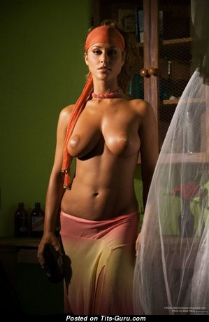Elegant Babe with Elegant Naked Real Dd Size Busts (Sexual Foto)