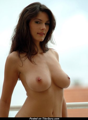 Cute Babe with Cute Nude Real Knockers (Hd 18+ Picture)