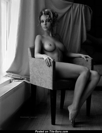 Nice Babe with Nice Nude Real Med Busts (Sexual Photoshoot)