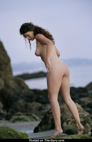 Betcee - naked brunette with medium natural tittes photo
