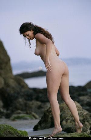 Betcee - Splendid Brunette with Splendid Nude Real Soft Boobie (Hd 18+ Foto)