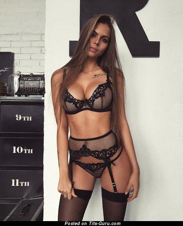 Viki Odintcova - sexy nude amazing girl with medium boobs pic