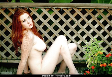 Exquisite Unclothed Red Hair Babe (Xxx Foto)